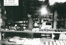 danish EUROWOMAN Sep. 2004 - vegetable store