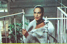 ital. unknown - Via Montenapoleone movie pic in white fur