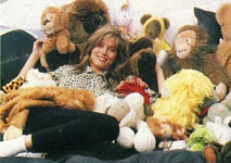 dutch HITKRANT 08/87 #32 - N.Y. apartment with puppets